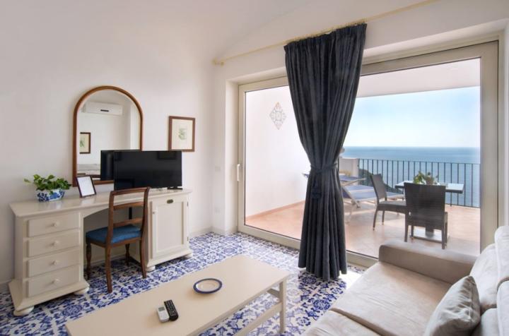 Hotel Tritone, Praiano