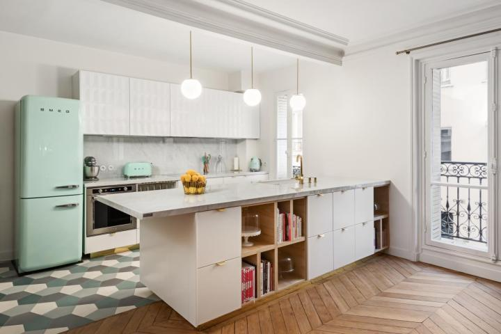 Neolith Blanco Carrara in the kitchen of pâtissière Anne-Sophie Rischard's Parisian apartment.