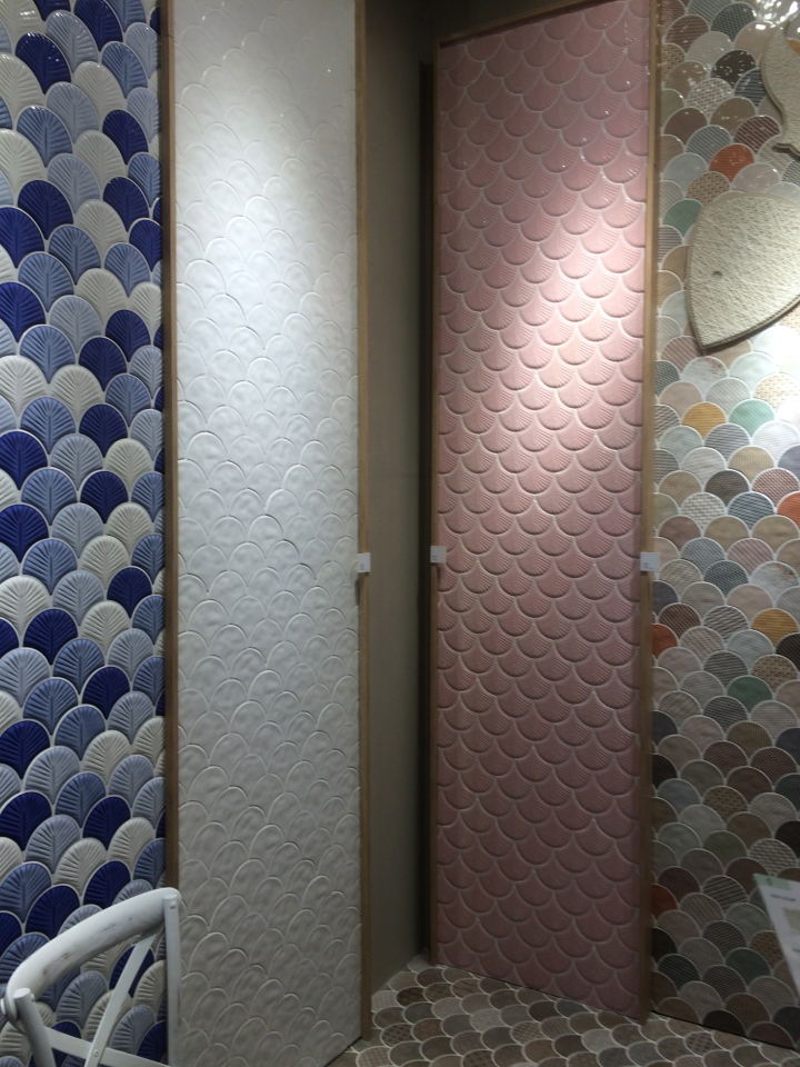 Fish-scale tiles at Cevisama