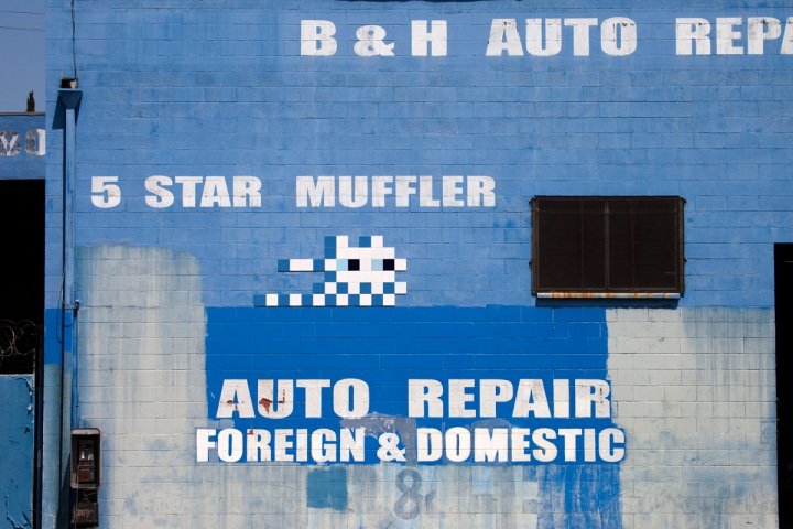 invader tile ceramic street artist Los Angeles 2018