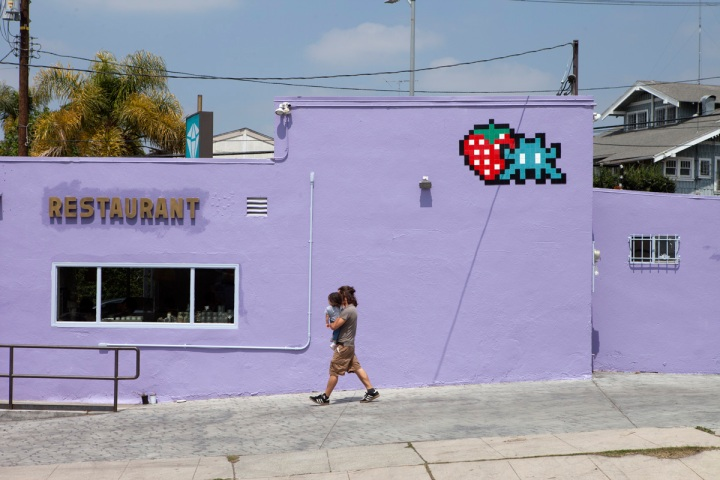 invader tile ceramic street artist Los Angeles 2018