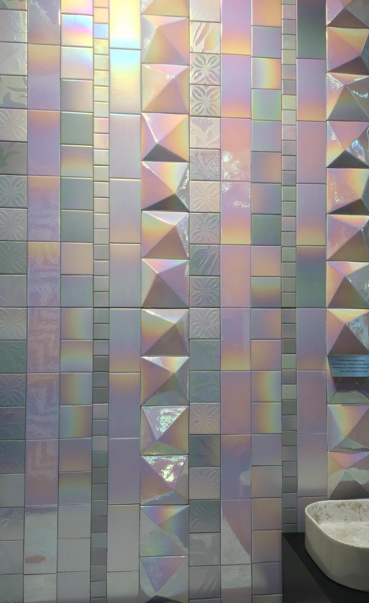 pearlescent 3d tiles trend cersaie 2019 pecchioli