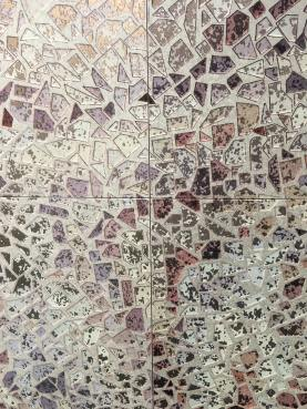 Mural Gaudi from Bestile glitter and gold trend