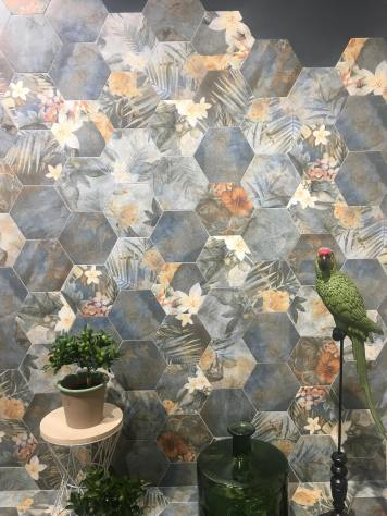 Hibiscus from Arklam floral trend tile 2020