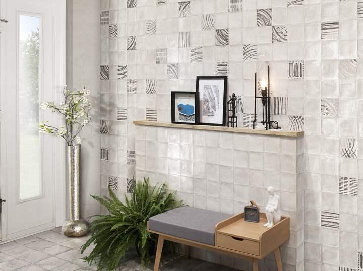 Nazari Fortuna and Perla from Mainzu glittler accent tile trend 2020