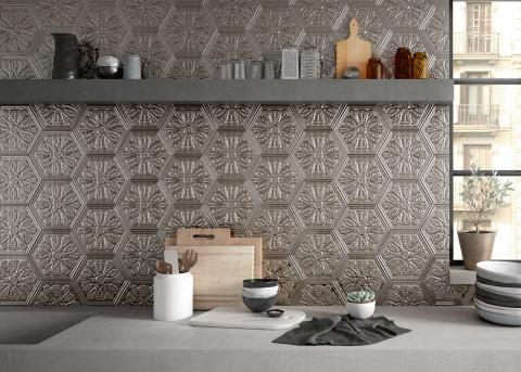 Zinc silver mix decor hexagon from Apavisa metal look tiles 2020