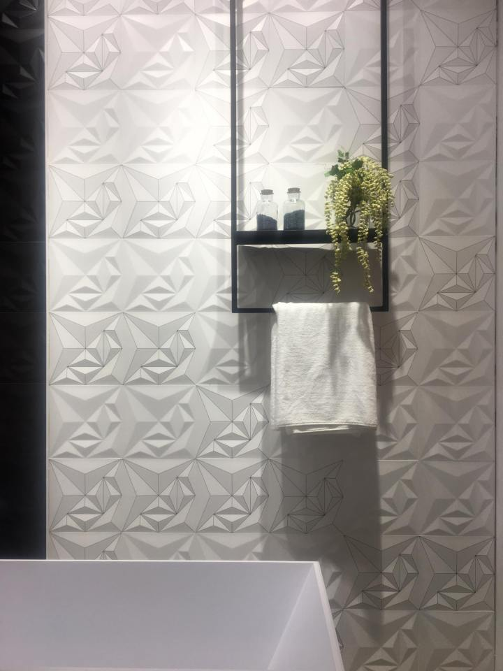 Bently White and White HL from Itaca tile trend 2020